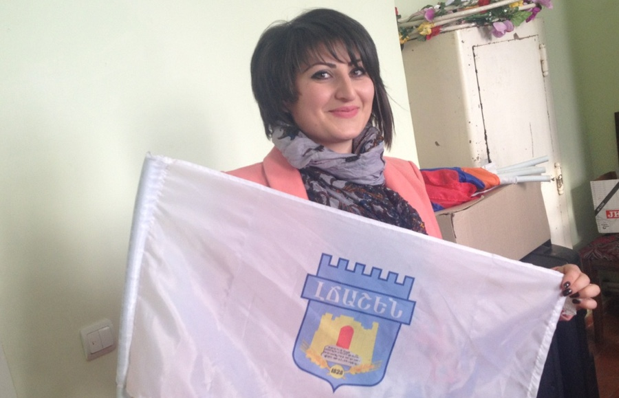 Armenian lady with flag